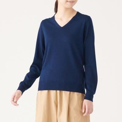 V넥 스웨터